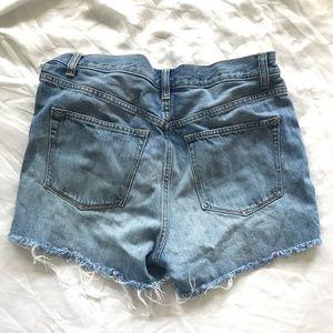 High waisted raw hem 29R Gap denim shorts